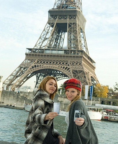 Combo Tour: Tickets to the 2nd Floor of the Eiffel Tower & Paris Bus Tour