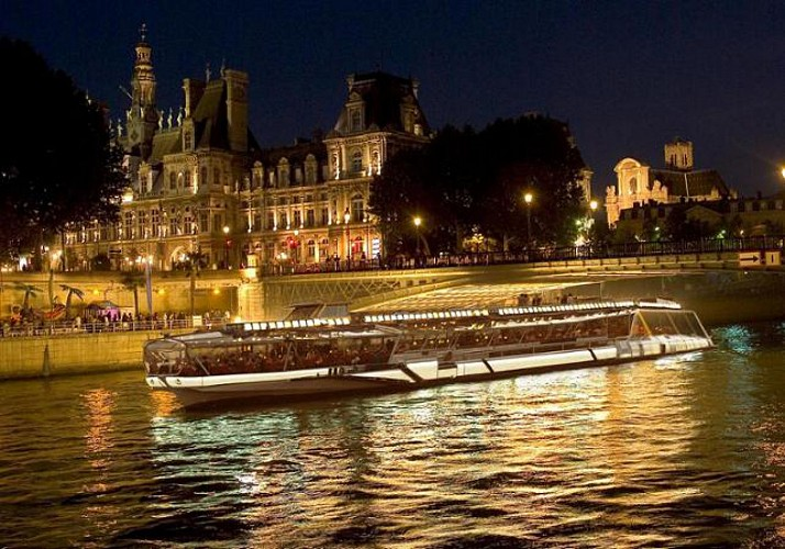 Dinner Cruise in Paris – Bateaux Mouches – 8:30pm