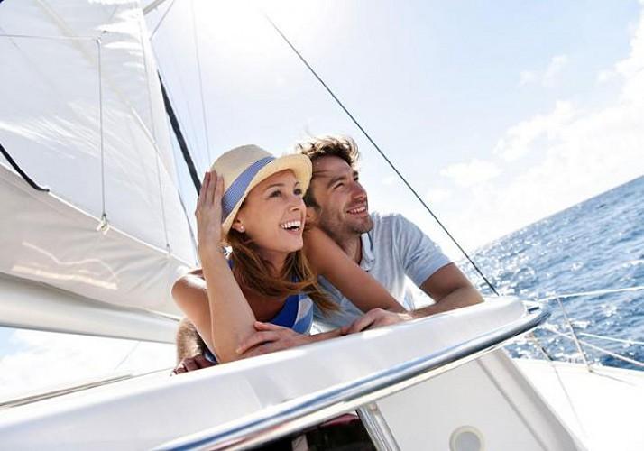 Croisière en catamaran au coucher du soleil avec coupe de champagne - Au départ de Cannes