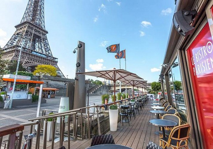 Lunch at the Le Bistro Parisien Restaurant – At the foot of the Eiffel Tower