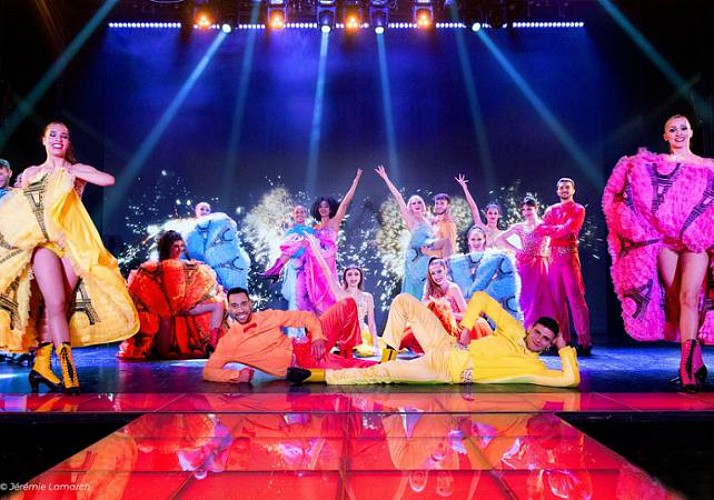 Paradis Latin: Cabaret – With champagne