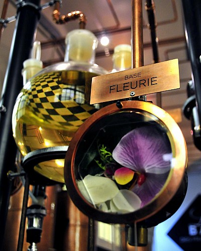Introduction to perfume creation at the Fragrance Bar – Molinard Perfumery in Grasse
