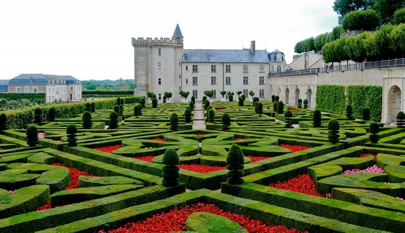 The Unmissable Châteaux of Chenonceau, Amboise, Chambord & Cheverny – Departing from Tours