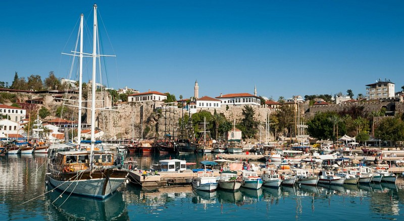 8 jours en Turquie : Istanbul, Gallipoli, Troie, Pergamon, Ephèse, Pamukkale, Antalya– hôtel 4 étoiles et transport en avion