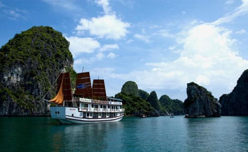 Croisière de 2 jours dans la baie d'Halong – transport depuis Hanoï inclus