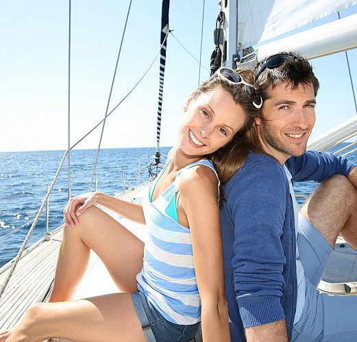 Yacht Cruise along the Basque Coast – 4 hours departing from the port of Getxo