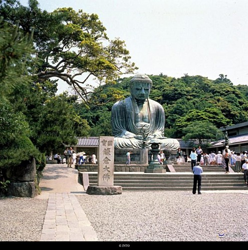 Day Trip to Kamakura & Enoshima by Bus