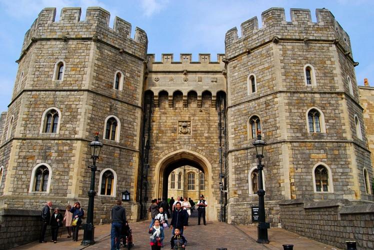 Excursion et visite guidée au château de Windsor, visite de Stonehenge, Lacock et Bath