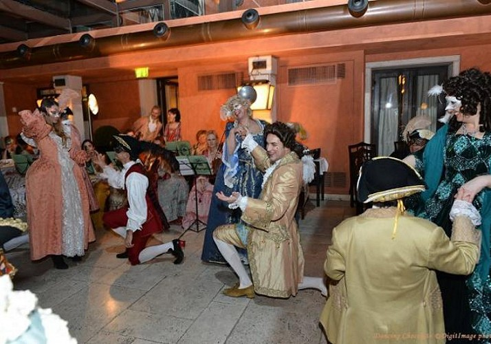Venice Carnival– Traditional Dance Lessons and Hot Chocolate at The Hotel Splendid Venice