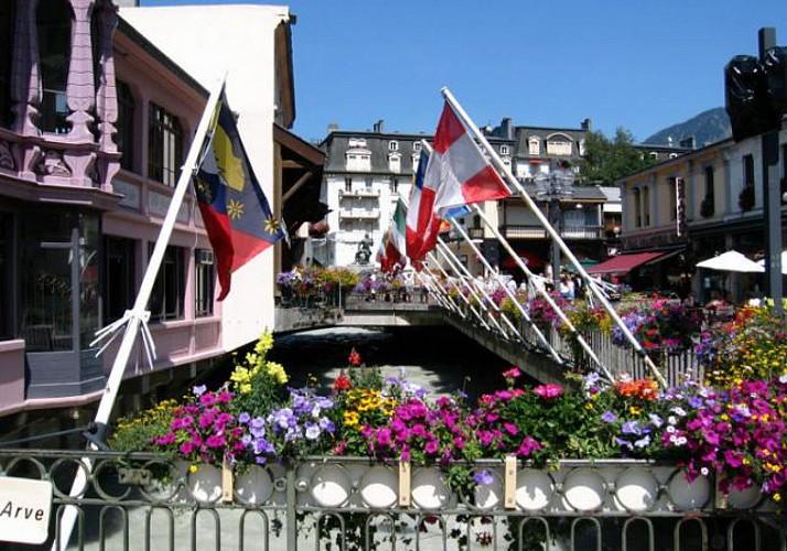 Journée à Chamonix- Mont Blanc : Billets Aiguille du Midi et Mer de Glace inclus - au départ de Genève