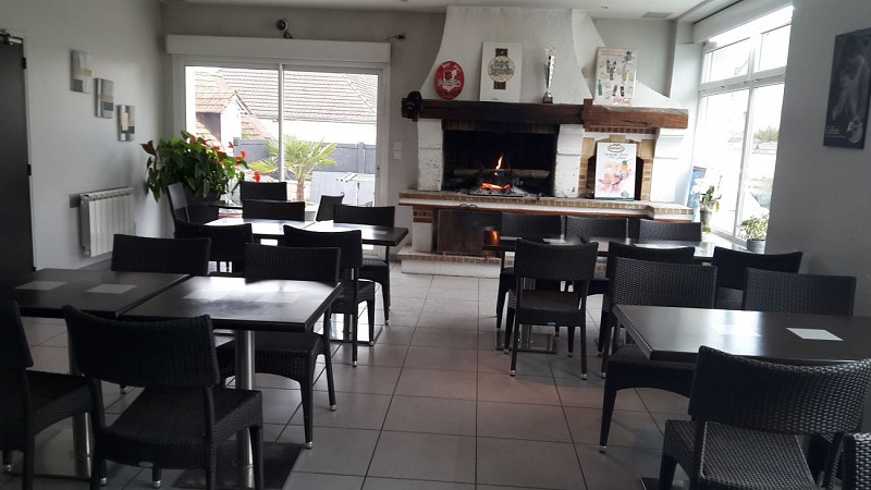 Le-Bar-a-K-Restaurant-2