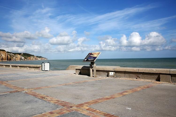 Table de lecture impressionniste n°8 - La plage à Pourville