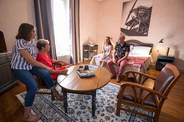 CHAMBRES D'HOTES LE PETIT CHATEAU DES CEDRES - CHAMBRE GUILBAUD