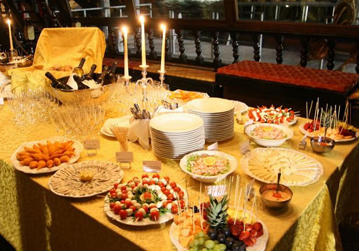 New Year Boat Cruise & Buffet in Venice