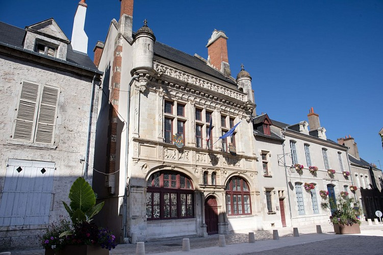 (c) Hôtel de Ville - D. Daury - Office de Tourisme de Beaugency - 2