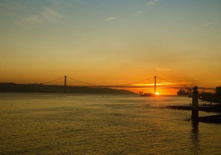 Sunset Yacht Cruise in Lisbon