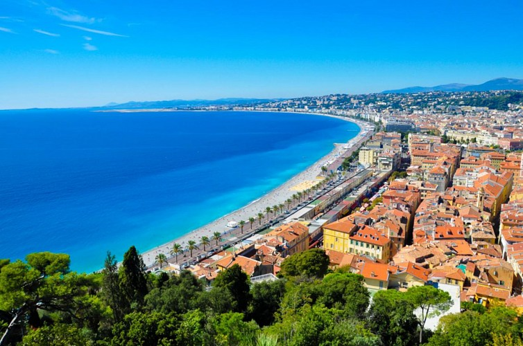 Double-Decker Bus Tour of Nice – 1 or 2-day pass