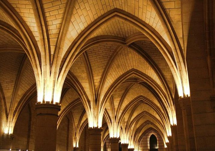 2-in-1 Ticket for the Conciergerie & Sainte-Chapelle – Priority access