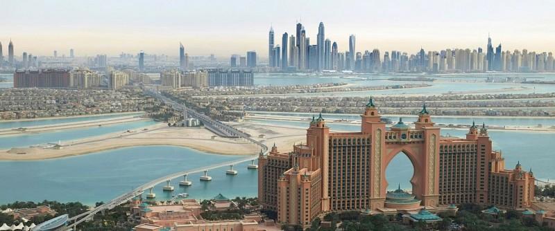 Survol en hydravion de Dubaï à Abu Dhabi et visite du parc Ferrari World