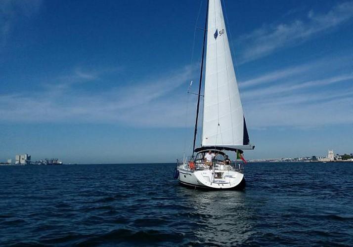 Croisière en voilier de 2h dans la baie de Lisbonne