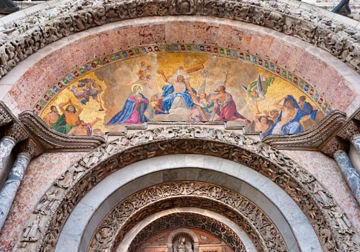 Visite guidée de la Basilique Saint-Marc en français - Billet coupe file - Venise