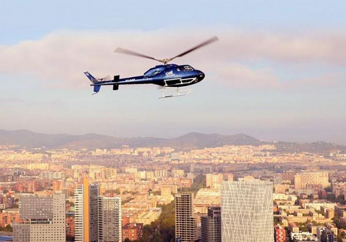 Barcelone à 360° - à pied, en hélicoptère et en bateau - en français