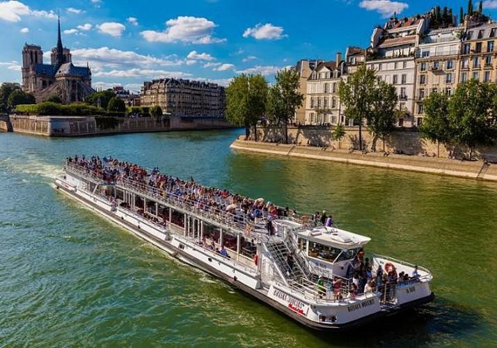 Schiffsfahrt auf der Seine - Bateaux Mouches