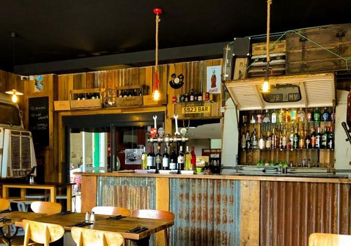 Bar restaurant Le 145