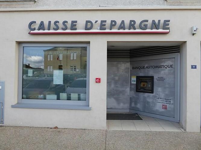 Agence Caisse d'Epargne d'Auvergne et du Limousin avec distributeur
