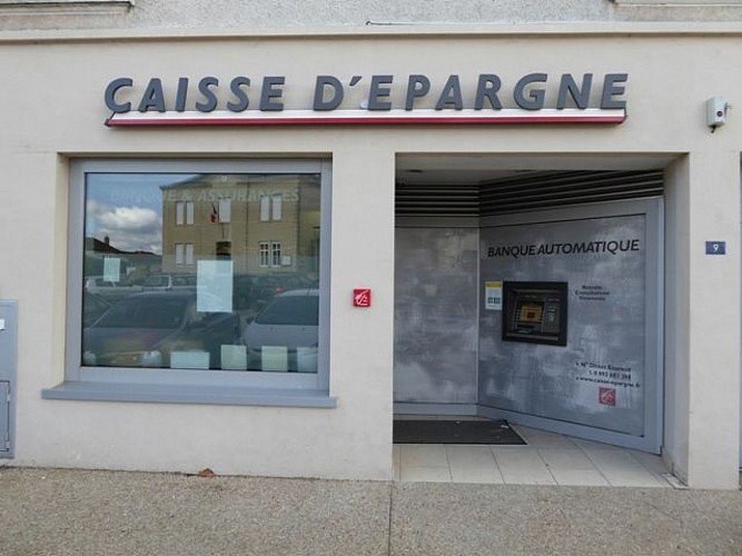 Agence Caisse d'Epargne d'Auvergne et du Limousin with cash machine