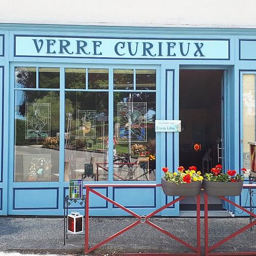VERRE CURIEUX, VITRAILLISTE