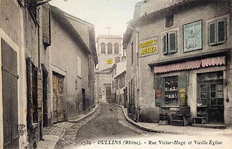Rue Victor-Hugo et le panneau du chat