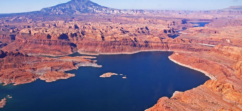 Airplane Flight: Lake Powell and Rainbow Bridge – Departing from Page