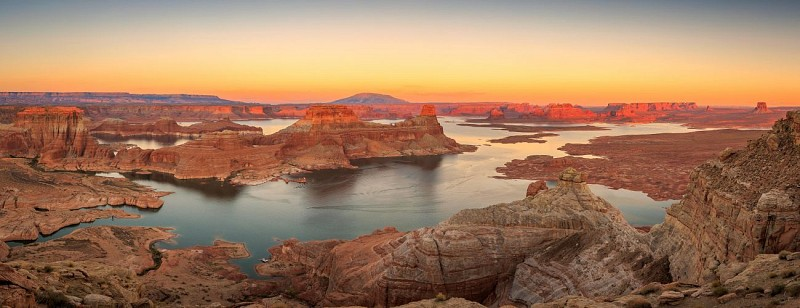Airplane Flight: Lake Powell and Horseshoe Bend – Departing from Page