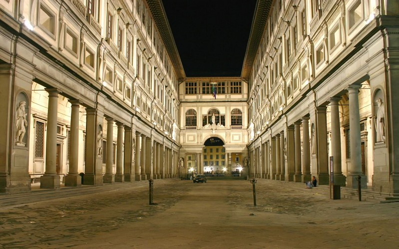 Florence in a Day: City Tour + Guided Tour of the Accademia & Uffizi Galleries