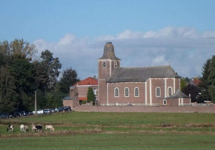 Vue sur l'église de Huppaye