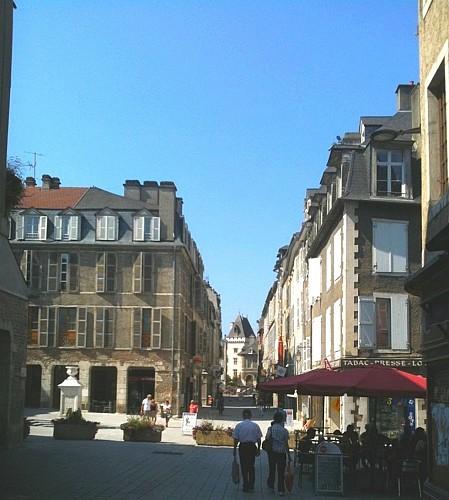 La rue Maréchal Joffre