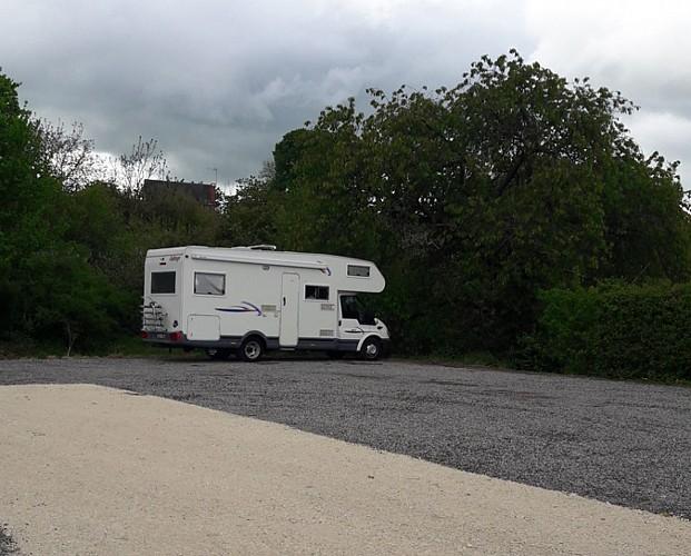 Beaulieu sur Loire- gaec des doucets-stationnement camping car