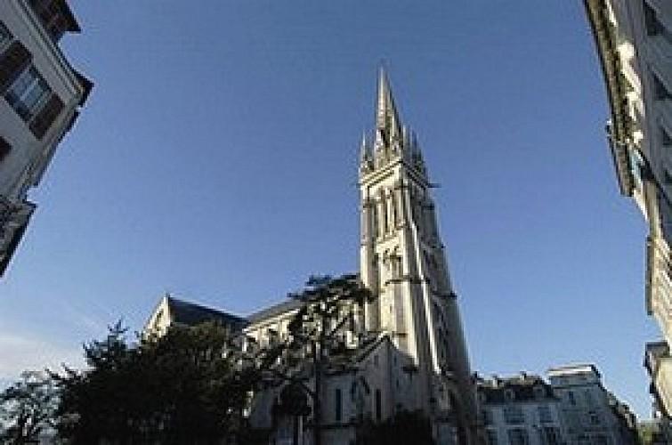 Eglise et square Saint Martin