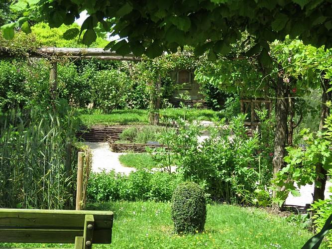 Tour Carrée et son jardin d'inspiration médiévale