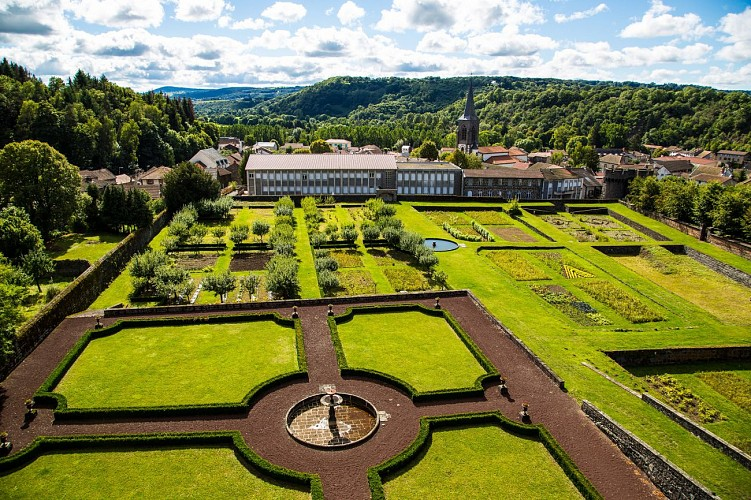 Gardens of the Castle Dauphin