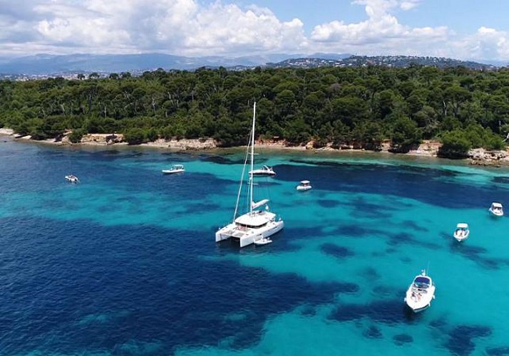 Return-Crossing to Sainte Marguerite Island – Departing from Cannes