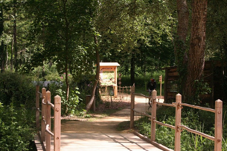 Camping Municipal de Guesnes