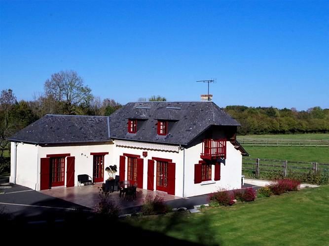 Monthuy - La Cour du Houx