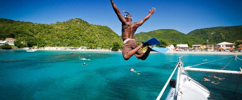 Journée en catamaran sur la côte sud caraîbe de la Martinique (Route des Anses) - Au départ des Trois-Îlets