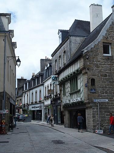 La place de la Pompe et la rue Barré