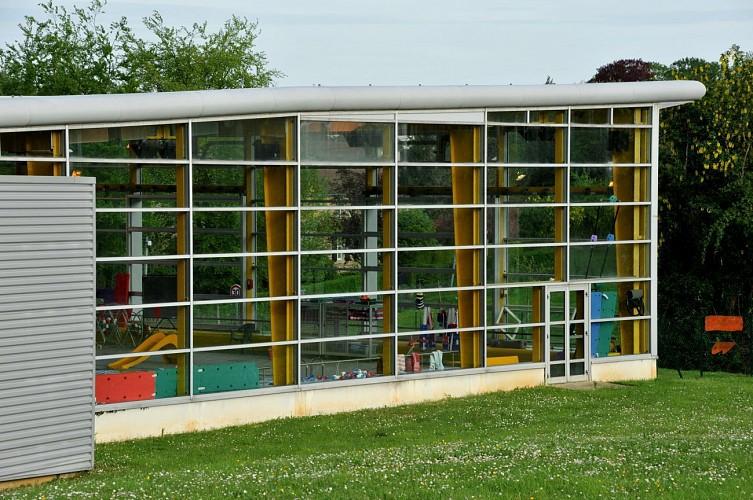 Activit s sportives piscine couverte mamers for Construction piscine couverte