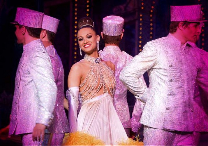 2-in-1 Offer: Evening River Cruise & Moulin Rouge Show