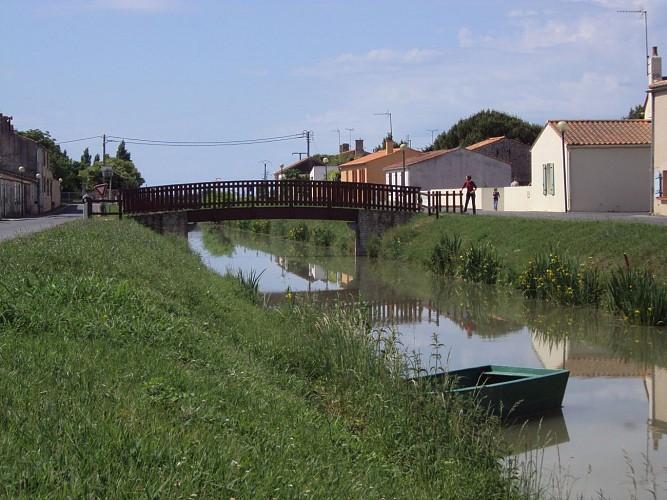 Le Canal de Champagné