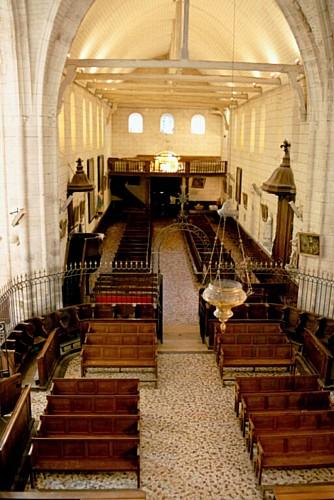Beaulieu sur Loire - Eglise St Etienne - Nef vue du retable